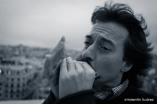 """Osi Martínez: """"Me gusta el blues más aguerrido y salvaje porque, en los momentos en que necesitas una buena sobredosis de emoción, es el que más te transmite"""" (Foto: Valentín Suárez)"""