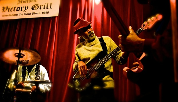 Harold McMillan performing at the Historic Victory Grill. Photo by Spencer Ponce